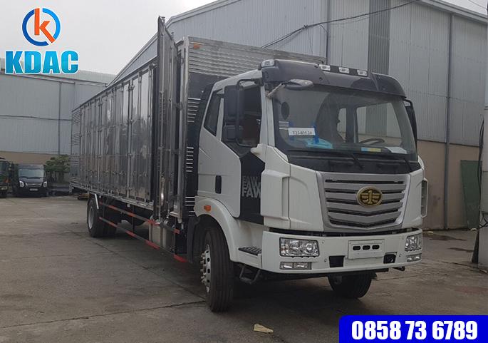 Xe tải 7.2 tấn thùng dài 9m6 thùng kín